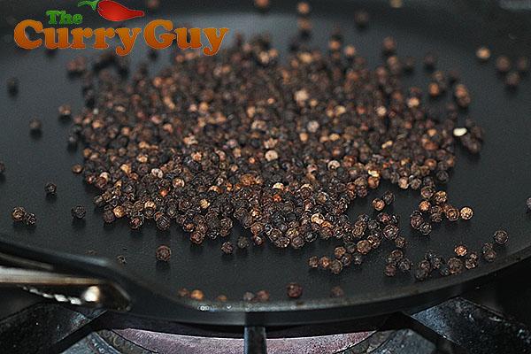 Roasting black pepper for garam masala