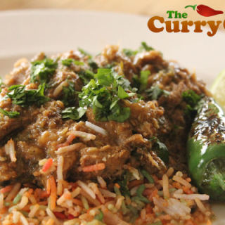 Lamb Curry With Coriander Powder and Fried Onions