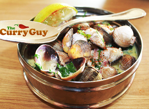 Clam Curry – Clams Cooked In Garlic And Coconut Milk