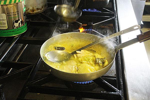 Cooking chicken korma