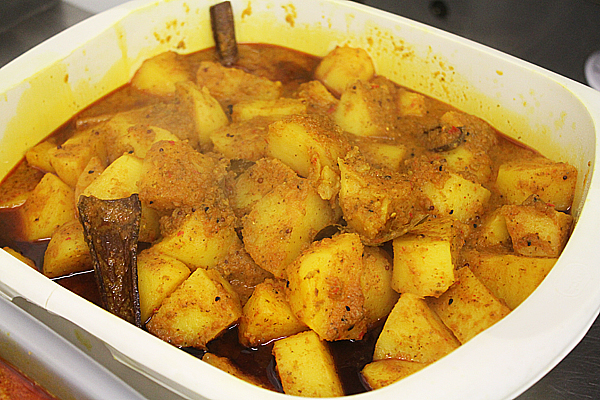 British indian restaurant pre cooked potatoes by the curry guy british indian restaurant style pre cooked potatoes forumfinder Gallery