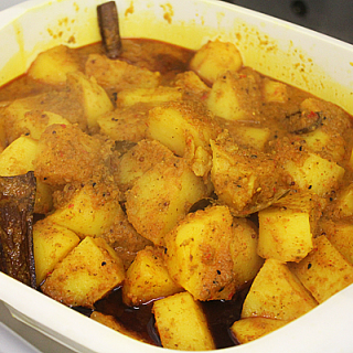 Aloo - Cooked Curry House Style Potatoes