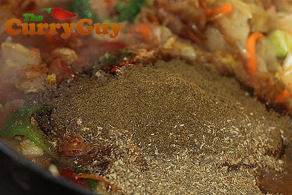 Making BIR curry sauce