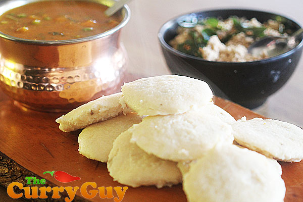 Idlis with sambar and fresh coconut chutney