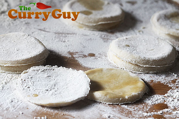 Dough discs for Mandarin Pancakes