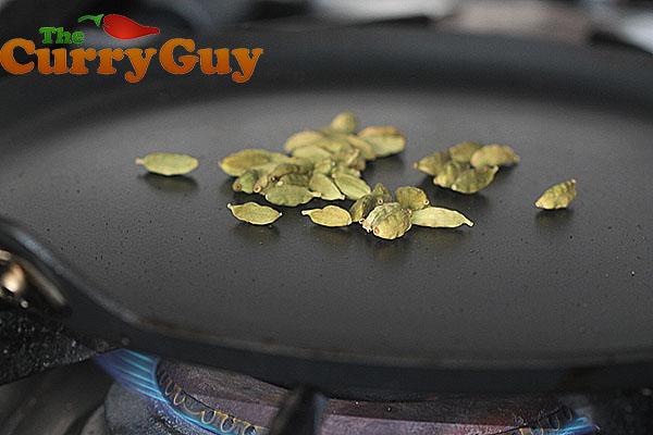 Making madras curry powder