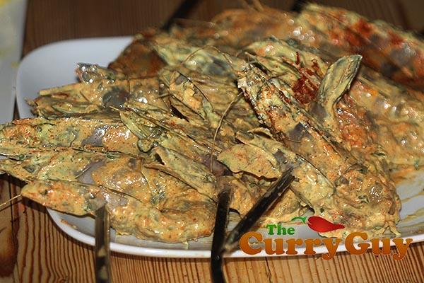 Making tandoori prawns
