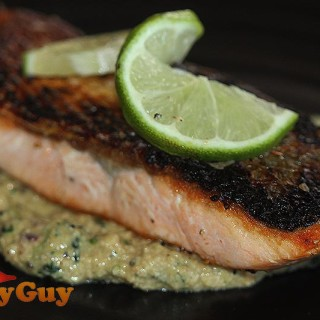 Salmon with cashew sauce