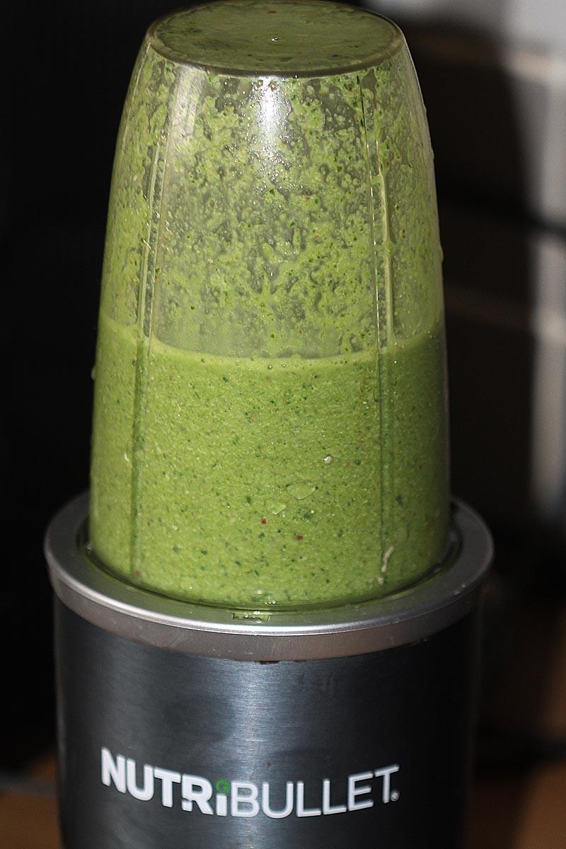 Spinach, Apple & Turmeric Lassi
