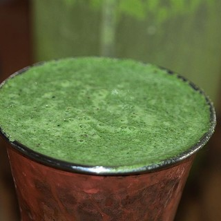 Spinach, Apple & Turmeric Lassi