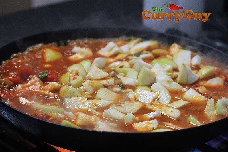 Making tinda masala